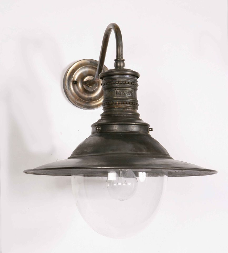 Outdoor Lighting Companies: Victoria Wall Lamp