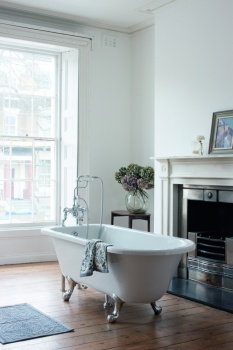 Burlington Blenheim Single Ended Bath with Luxury Legs