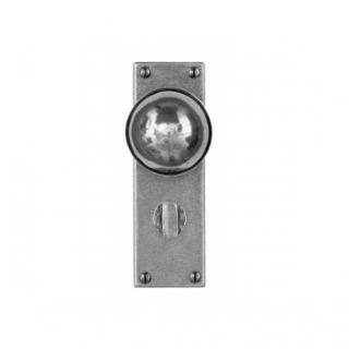 FD174 Finesse Door Knob on Bathroom Backplate