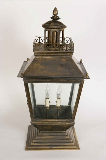 Large Chateau Gate Lamp