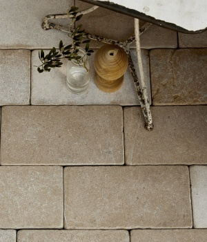 Neranjo Limestone Cobble Tumbled & Etched Finish
