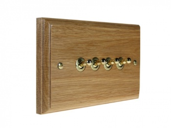 Wood 4 Gang 2Way 10Amp Toggle Switch in Solid Oak