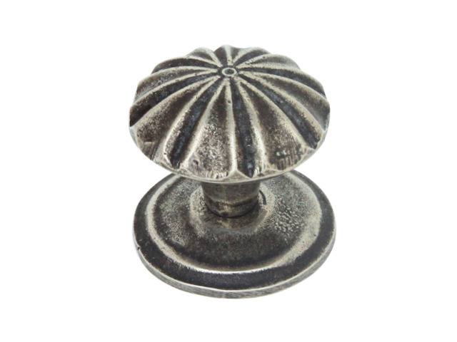 Finesse 'Abbey' Pewter Cabinet Knob (Includes Backplate)