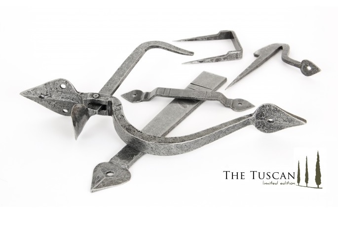 Tuscan Pewter Thumblatch